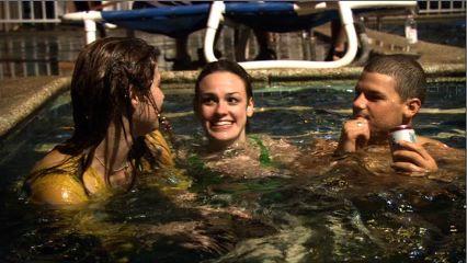 wolf-creek-movie-film-australia-pool-friends